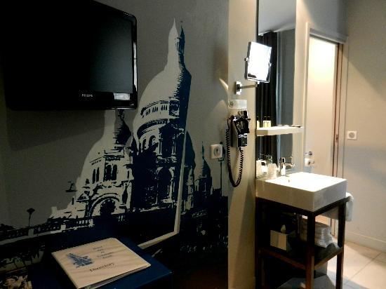 Hotel Arc de Triomphe Etoile: Hotel Room