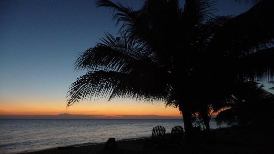Tipple Tree Beya: Sunrise on the beach