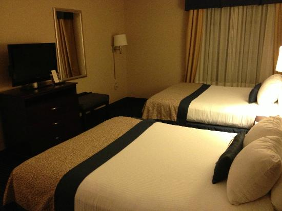 Wingate by Wyndham Erie: room 1