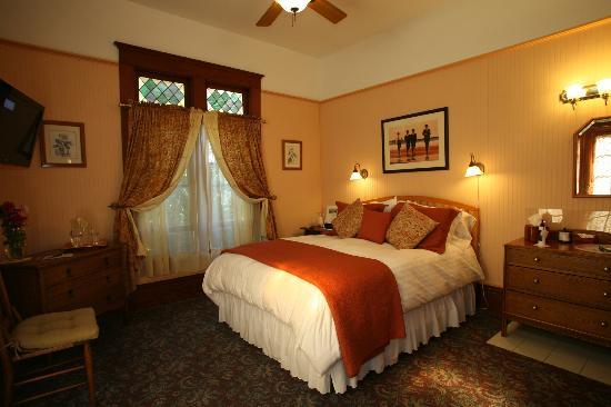 The Kirk House Bed & Breakfast: Garden Room