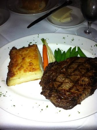 Donovan's Steak and Chop House: Rib-eye steak with potatoes au gratin