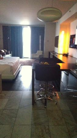 Palms Casino Resort: Kitchen, Dining, Bed, & Livingrm area of suite...