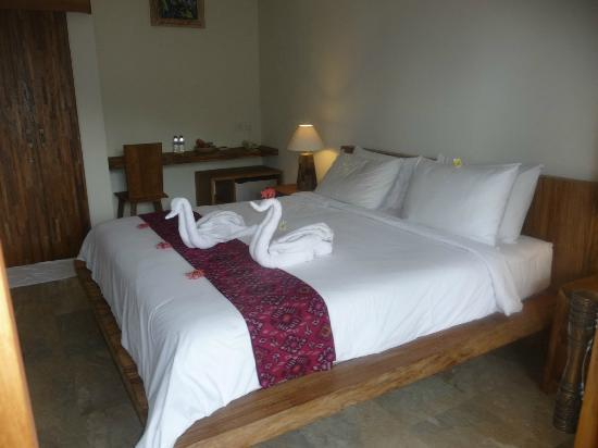 Sri Ratih Cottages: chambre deluxe