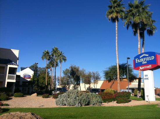 Fairfield Inn Scottsdale North: view from N Scottsdale Rd