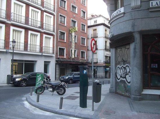 Senorial Hotel: вид на отель