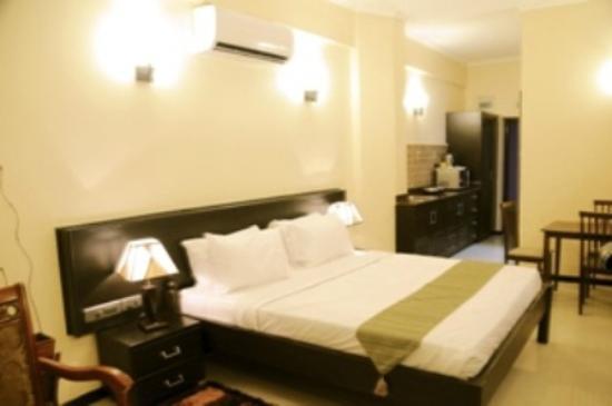 Hotel Sapphire: DELUXE ROOM