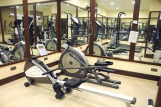 Hotel Sapphire: GYM AND FITNESS CENTRE