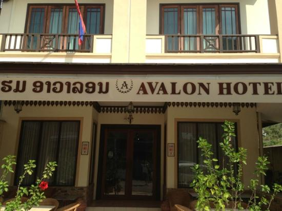 Avalon Hotel: Main Entrance