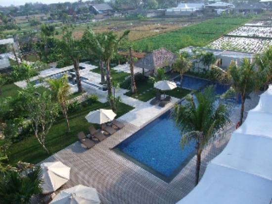 favehotel Umalas: 朝のプール