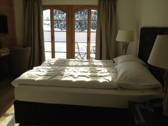 Hotel des Alpes by Bruno Kernen: Chambre standard côté sud