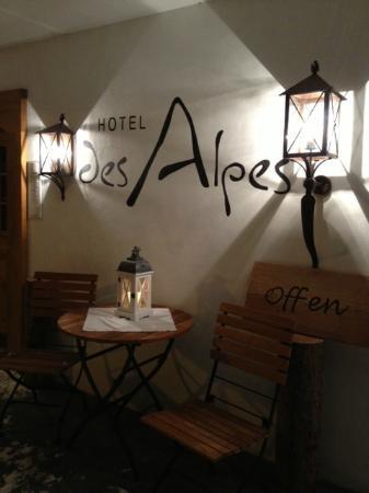 Hotel des Alpes by Bruno Kernen: Entrée