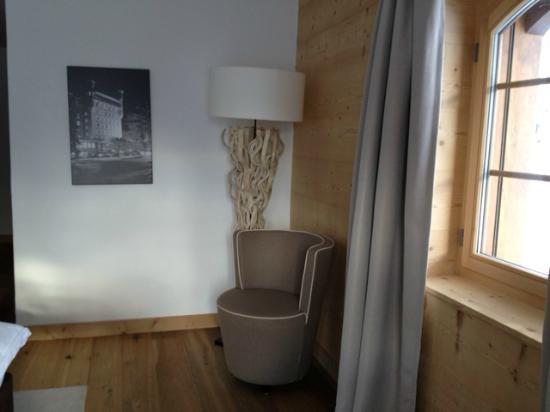 Hotel des Alpes by Bruno Kernen: la chambre