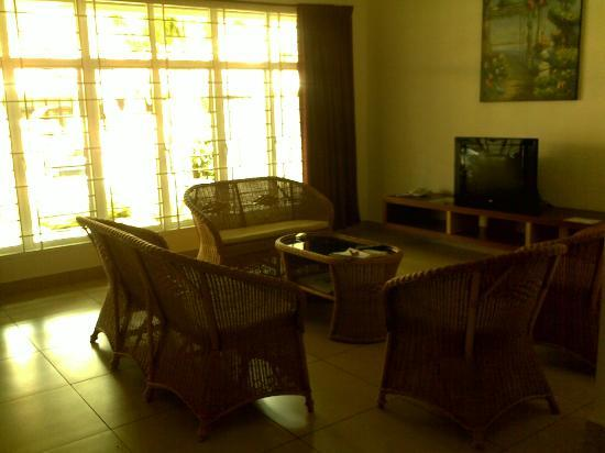 Sunflower Villas: Living area