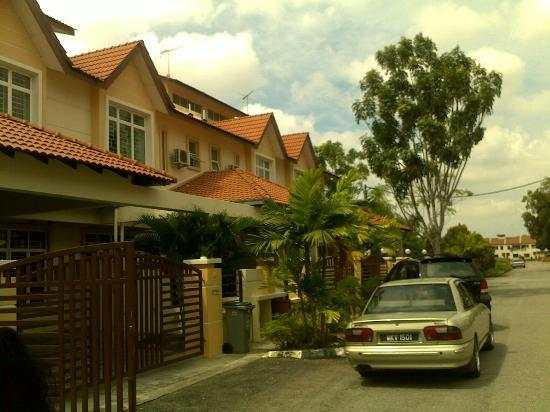 Sunflower House Malacca: house exterior