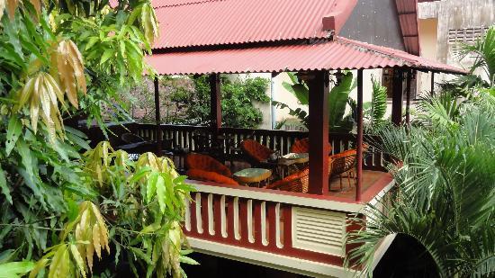 Bou Savy Guest House: terrazza per la colazione
