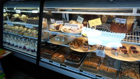 The Other Paw Bakery and Cafe: Confectionery