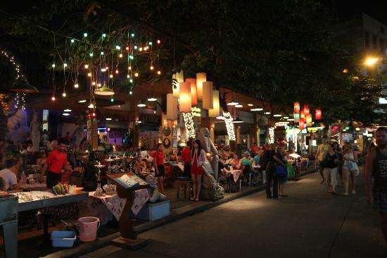 ibis Styles Bangkok Khaosan Viengtai: photo de la rue du VINGTAI