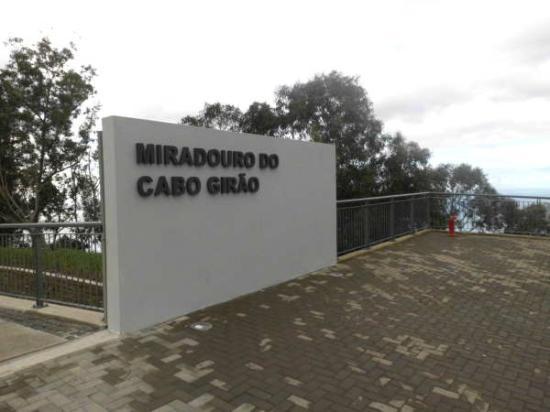 Câmara de Lobos, Portugal: Entrance to the viewing platform