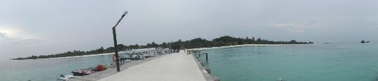 Kuredu Island Resort & Spa: View from the jetty
