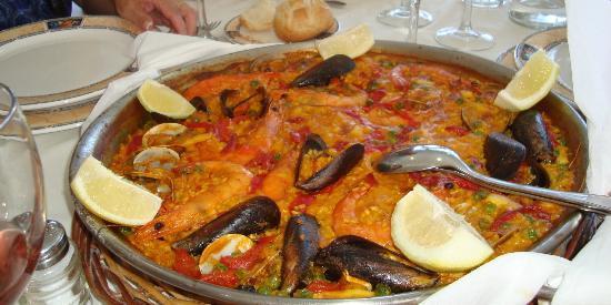 Arnuero, Spanyol: Paella de marisco