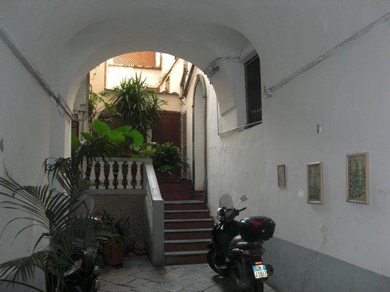 Casa Astarita Bed and Breakfast : Внутренний дворик