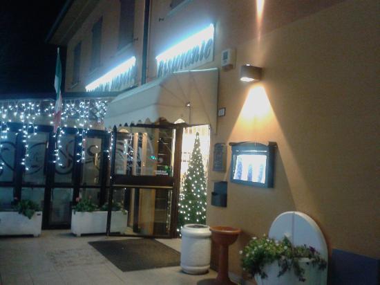 L'angolo di Napoli: entrata