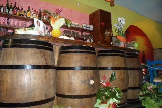 Tortuga Tavern: Bar
