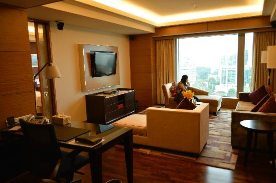 InterContinental Saigon Hotel: Living area