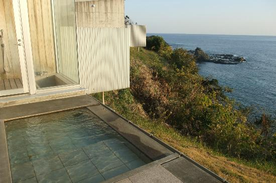 Resort Hotel & Spa Blue Mermaid : 部屋の露天風呂からの景観