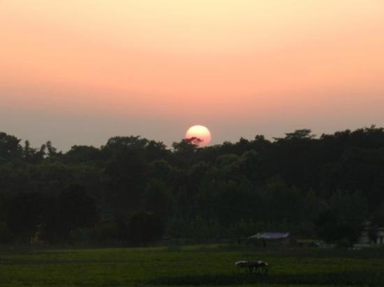 Aahana the Corbett Wilderness - an Eco Friendly Resort: Sunset
