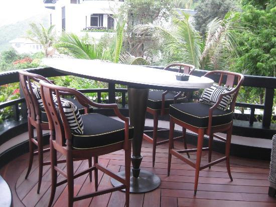 InterContinental Danang Sun Peninsula Resort: Marble dining