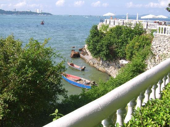 Dusit Thani Pattaya: beach area