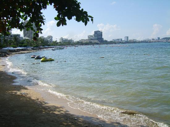 Dusit Thani Pattaya: Pattaya bay view from the Point