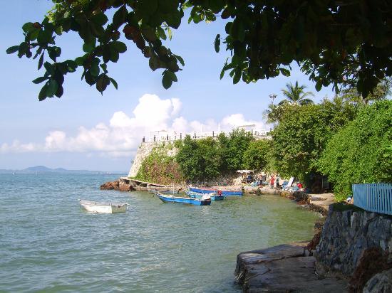 Dusit Thani Pattaya: beach view from Hotel