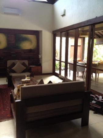 Villa Kubu Seminyak: lounge and outdoor dining (villa10)