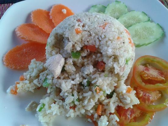 Makan Makan - Swimming Pool and Restaurant : Khmer fried rice