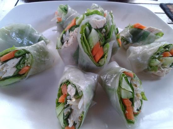 Makan Makan - Swimming Pool and Restaurant : Khmer spring rolls