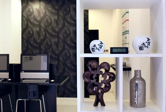 City Stay Hotel Apartment: Business Center