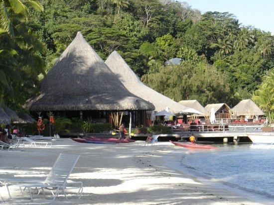 Sofitel Bora Bora Marara Beach Resort: Praia