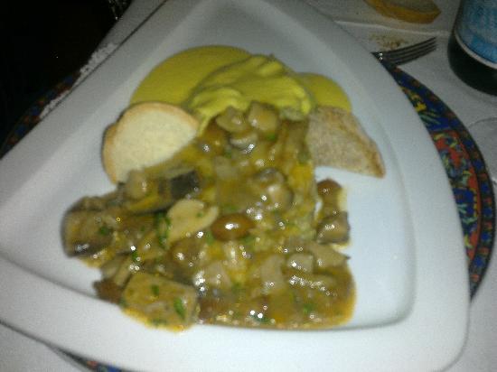 Locanda Ristorante Al Maniero: polenta concia e funghi porcini
