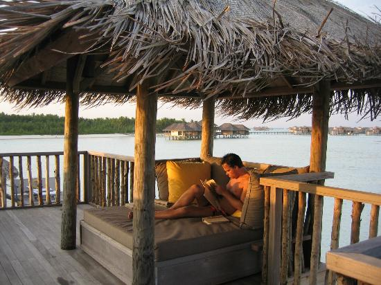 Gili Lankanfushi Maldives: Relaxing upstairs, why not ;-)