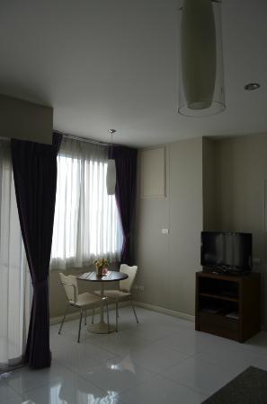 Baiyoke Ciao: Living room