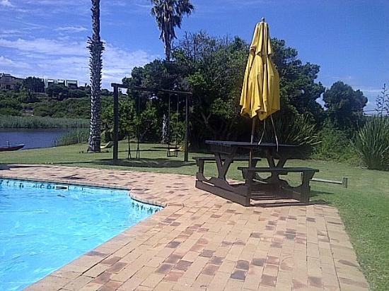 Fairy Knowe Hotel: pool area