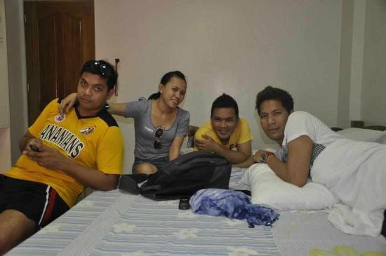 Sea Jewel Beach Resort: Kulitan @ Family 6 Room