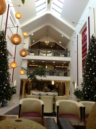 Cavan Crystal Hotel: lobby