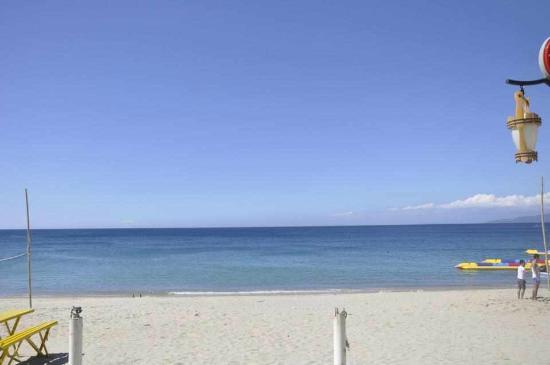 Sea Jewel Beach Resort: Beach View