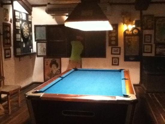 Paddy's Pub : pool table