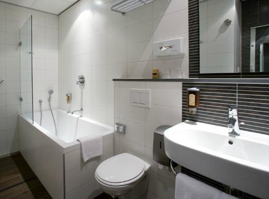 Hotel Amsterdam - De Roode Leeuw: Bathroom Superior room