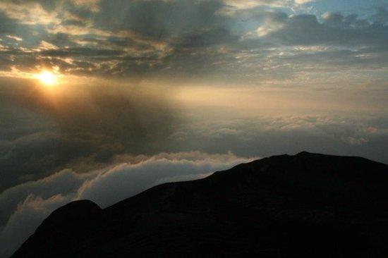 Ol Doinyo Lengai: sunrise