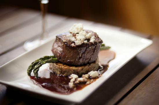 Bella Cafe Restaurant & Pizza Bar : Murraylands Beef Fillet with Porcini Risotto & 'Island Pure' Feta